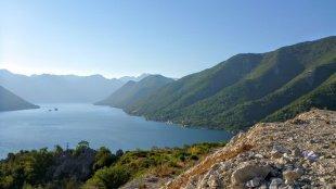 Zatoka Kotorska widziana z góry