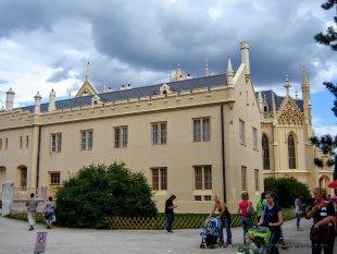 Nowoczesny zamek czy wyremontowany?