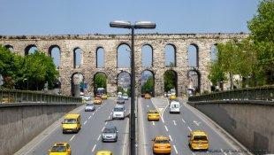 Akwedukt Walensa i taksówki